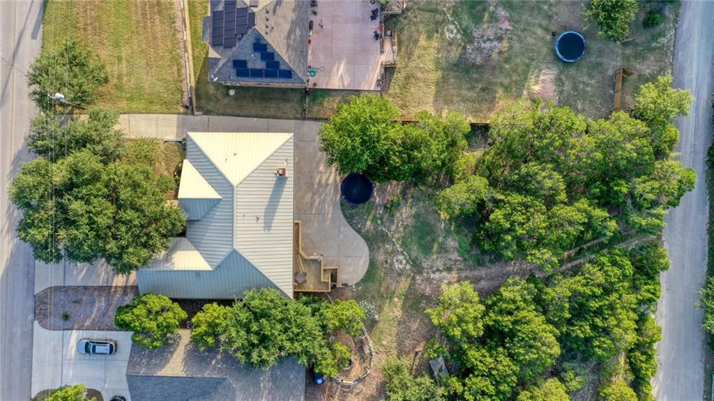 5006 Thunderbird St Property Photo 1
