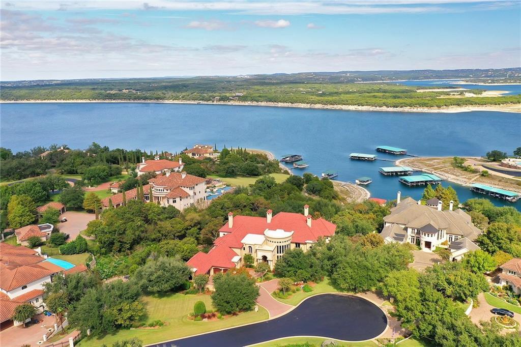 211 Costa Bella Dr Property Photo 1