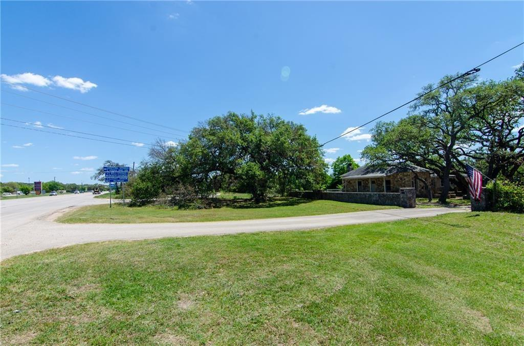 2305 W 290 Highway Property Photo 1