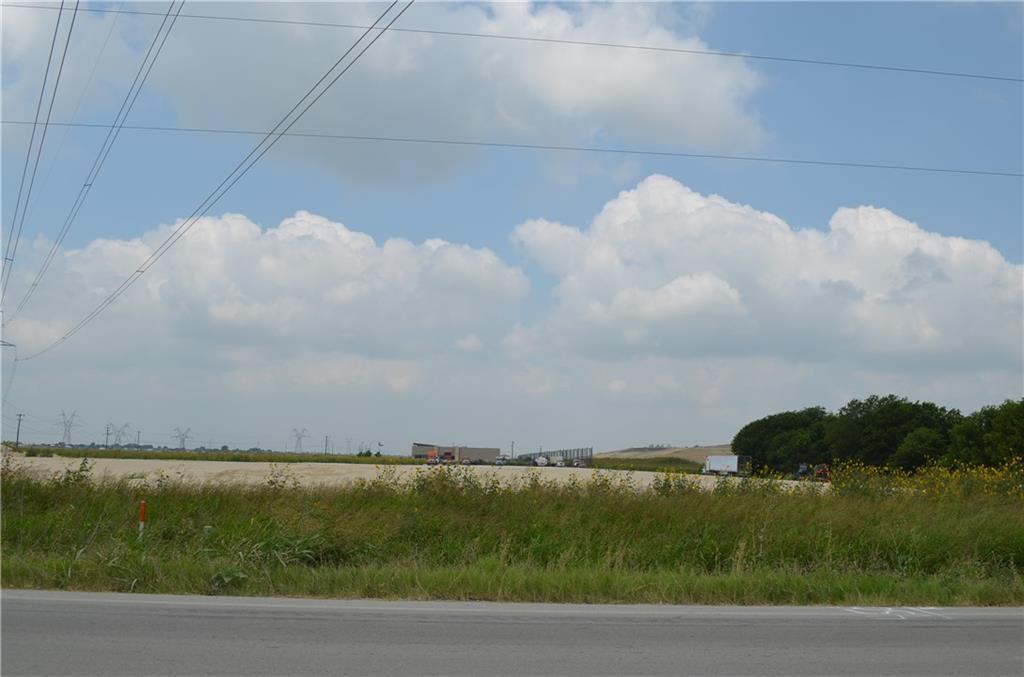 2296 Fm 1660 Property Photo 1