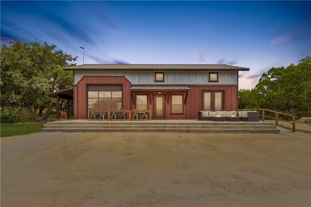 511 Wimberley Oaks Dr Property Photo 1