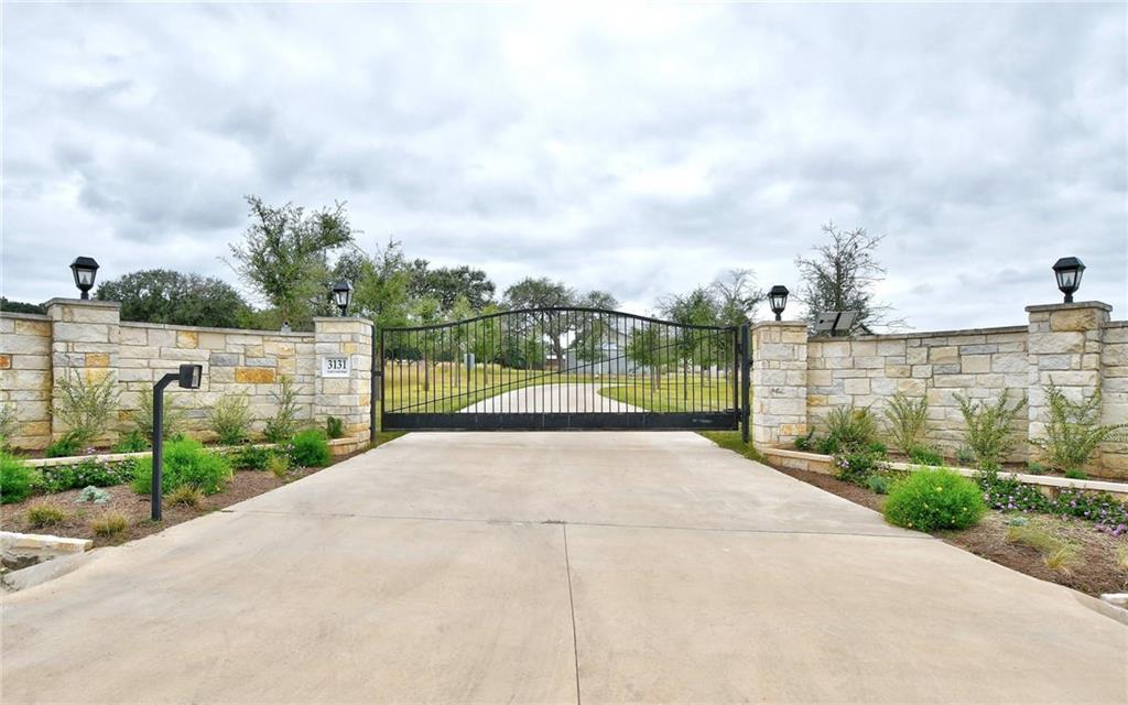 3131 Gatlin Creek Rd Property Photo 1