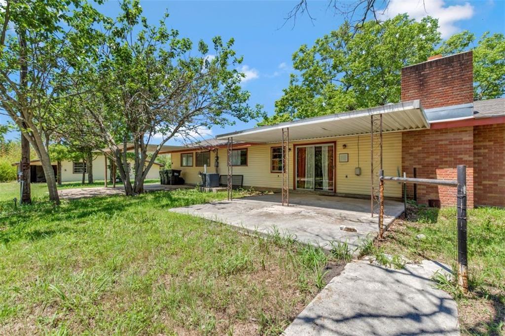 801 W 3rd St Property Photo 1
