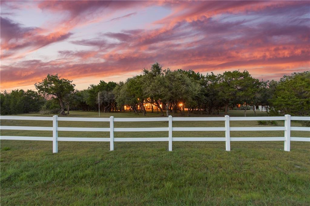 108 Twin Saddles Ln Property Photo 1