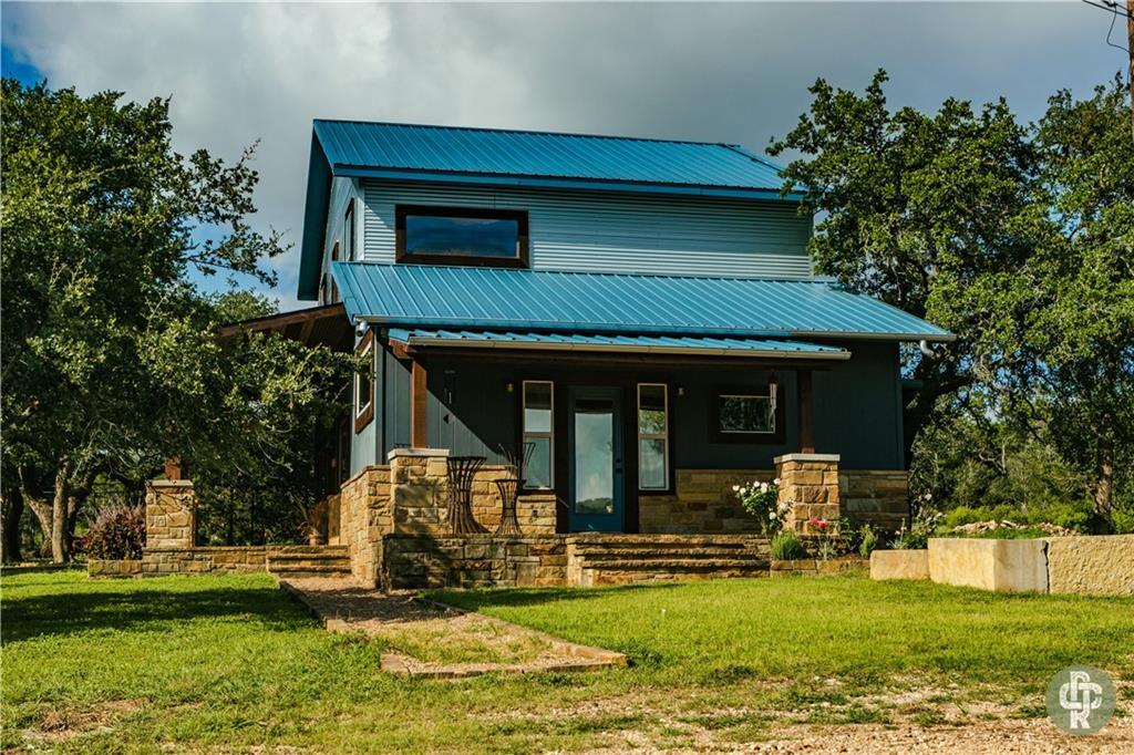 1718 Oakwood Loop Property Photo 1