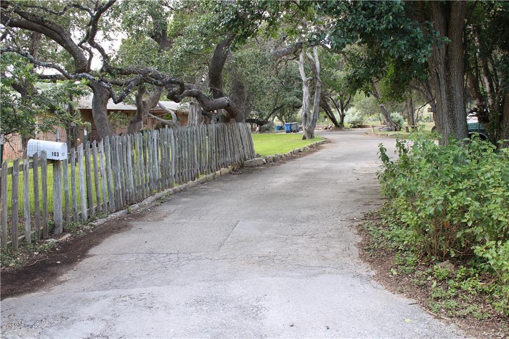 103 Lakeview Blvd Property Photo 1