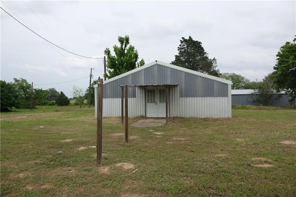 11196 N Highway 77 Property Photo 2