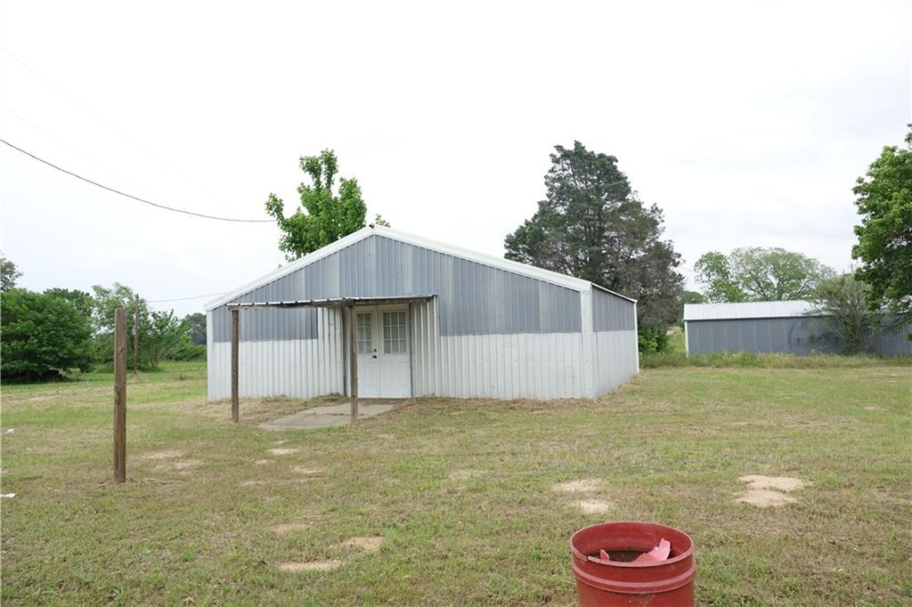 11196 N Highway 77 Property Photo 3