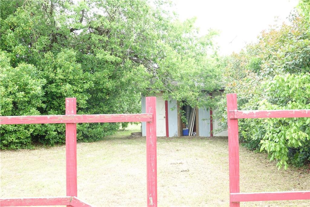 11196 N Highway 77 Property Photo 10