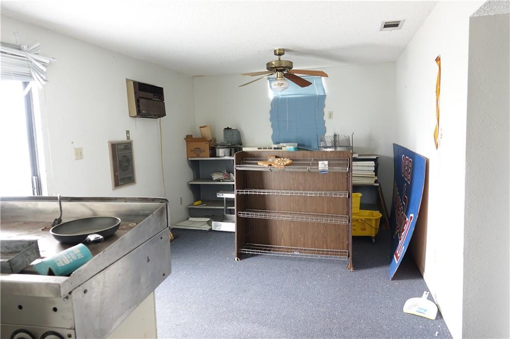 11196 N Highway 77 Property Photo 24