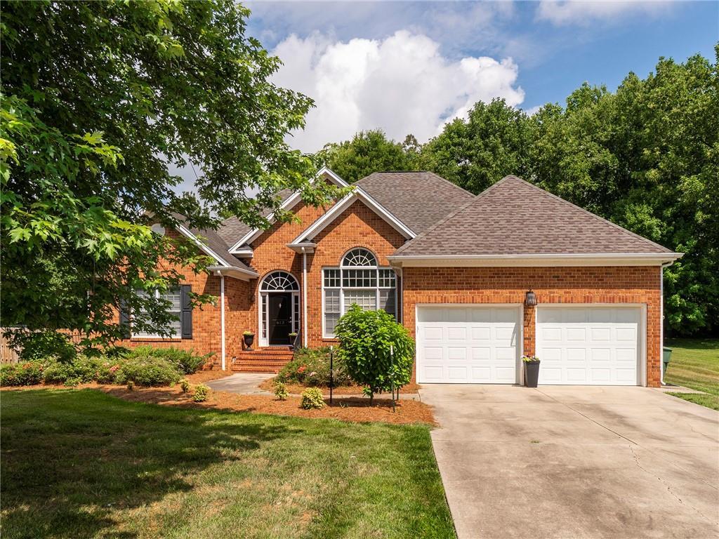 613 Brookview Drive Property Photo