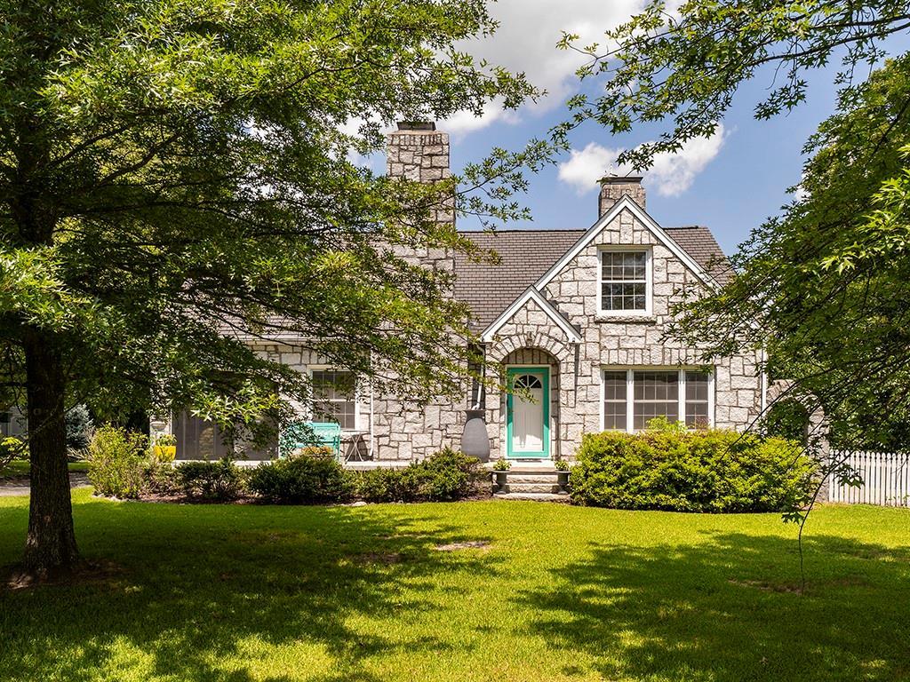 613 Brownstone Drive Property Photo