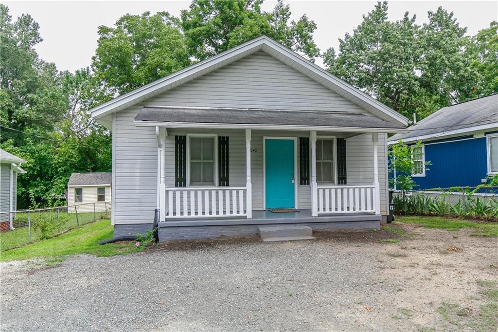 1040 Elwood Street Property Photo 1
