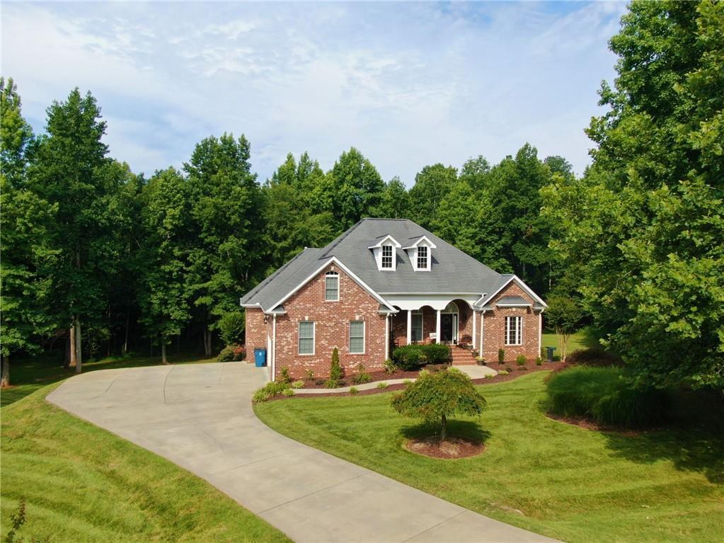 Beaver Hills Real Estate Listings Main Image