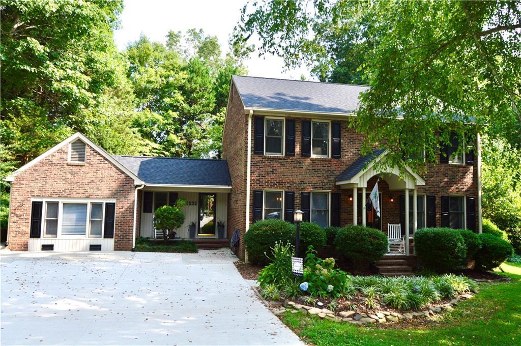1535 Bentwood Drive Property Photo