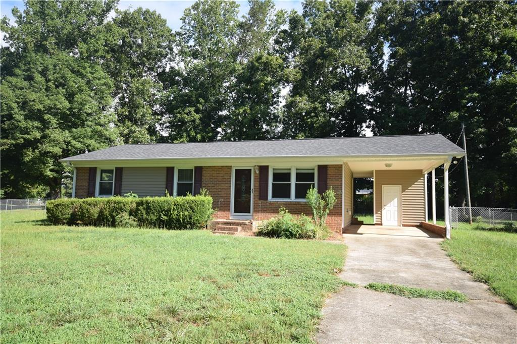 2851 Springfield Drive Property Picture 7
