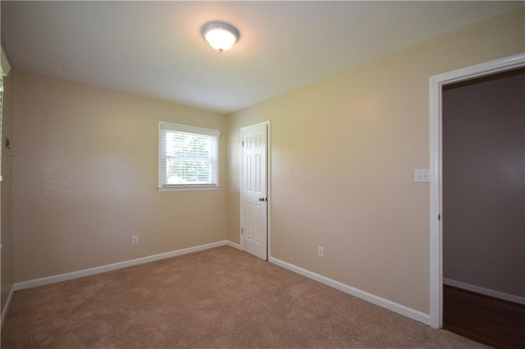 2851 Springfield Drive Property Picture 22