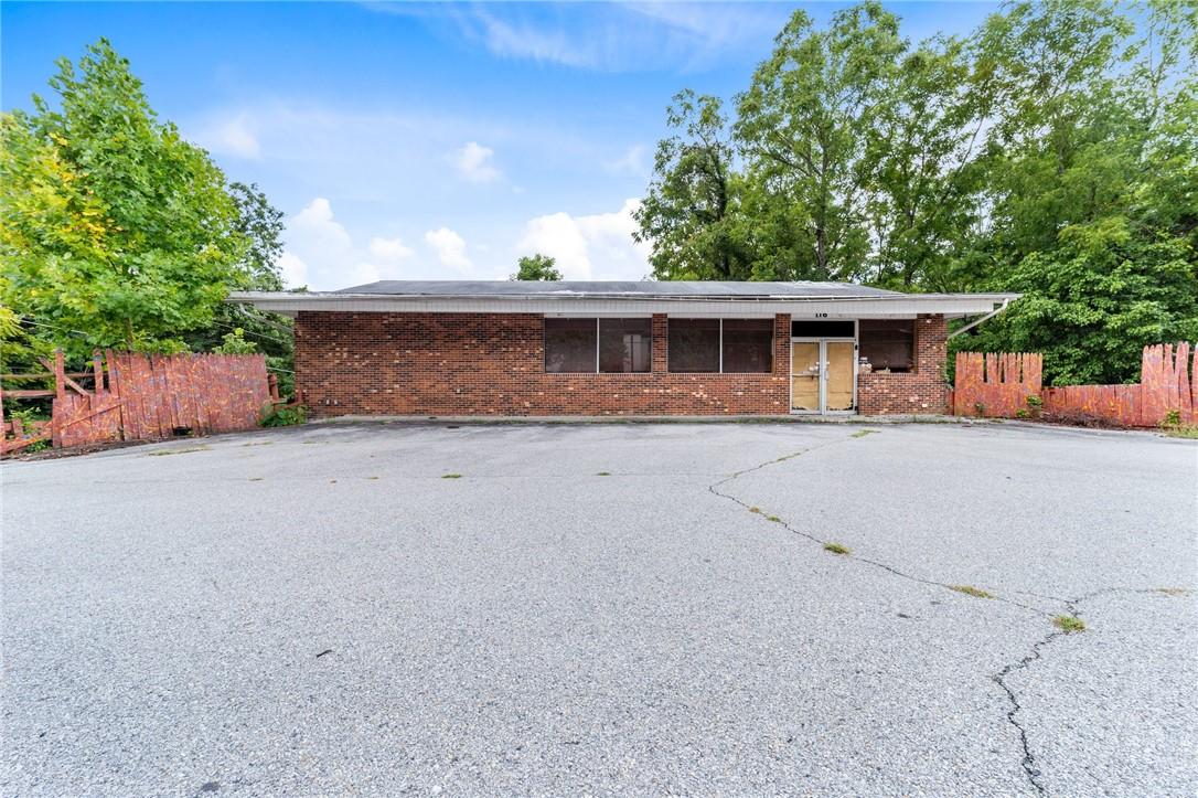 116 Broad Street Property Photo