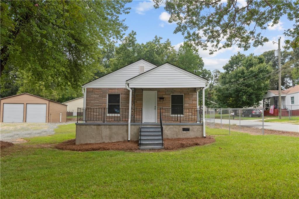 1121 Elwood Street Property Photo 1