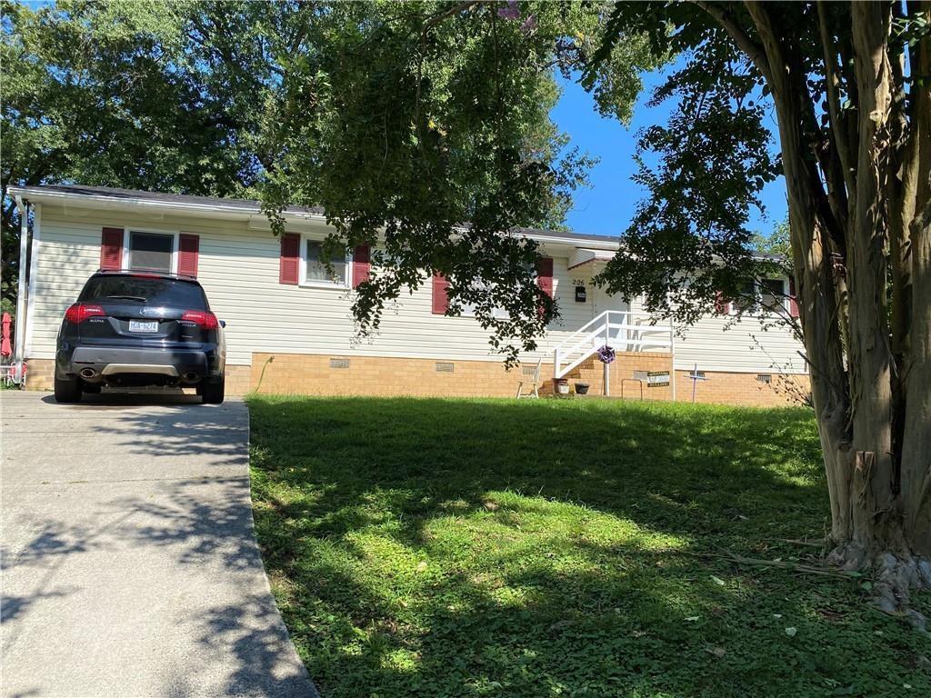 206 Seventh Street Property Photo 1