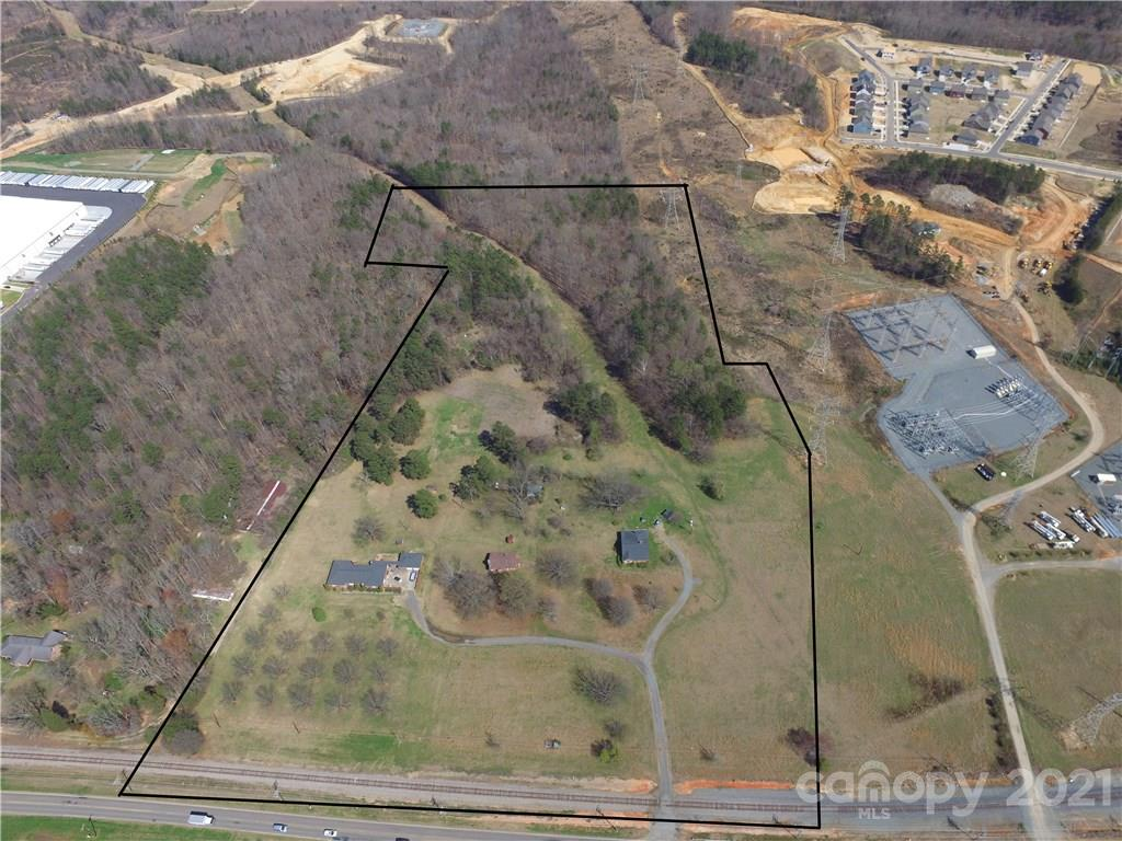 12132 Old Statesville Road Property Photo