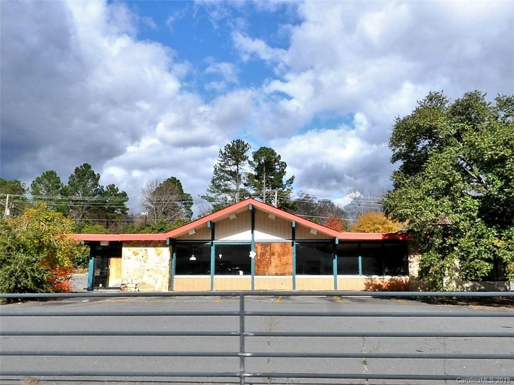 3701 Independence Boulevard Property Photo