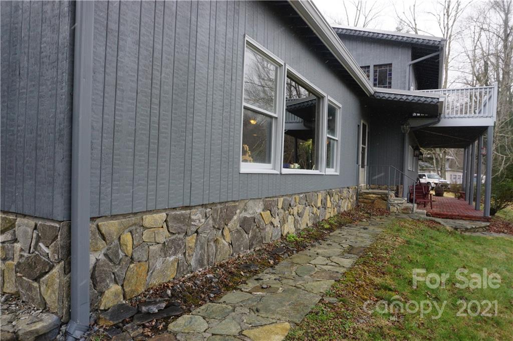 745 Hickory Springs Road Property Photo 2