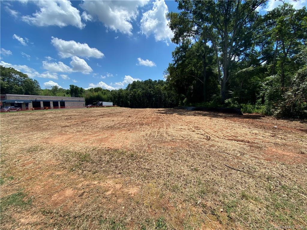 8024 Fairview Road Property Photo