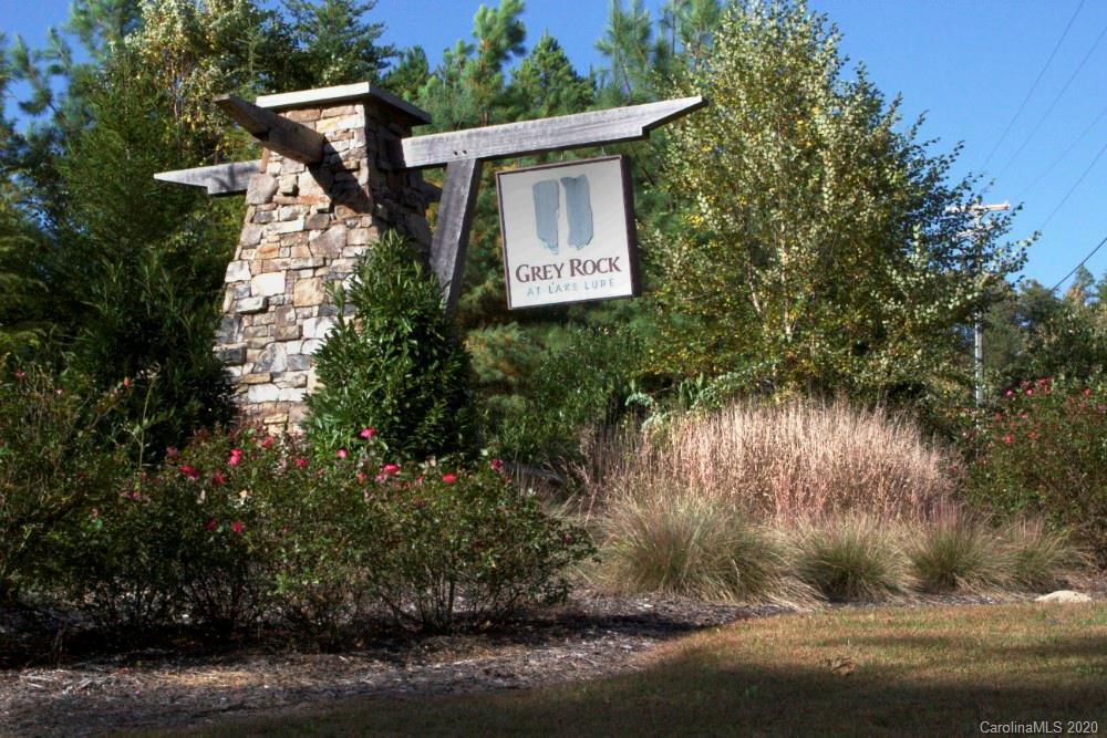 138 Grey Rock Parkway Property Photo
