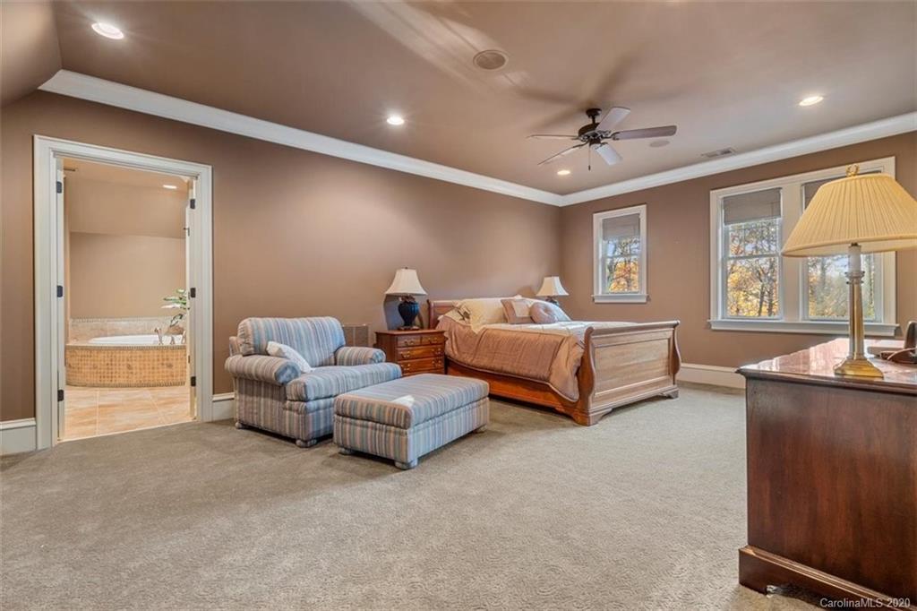 9235 Sweetleaf Place Property Photo 28
