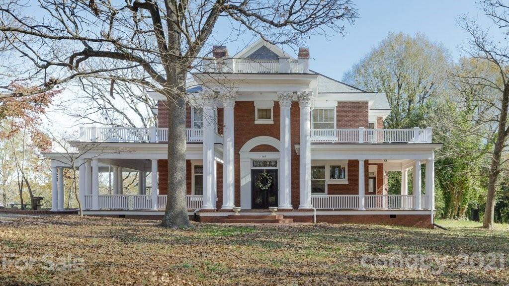 207 S Elm Street Property Photo