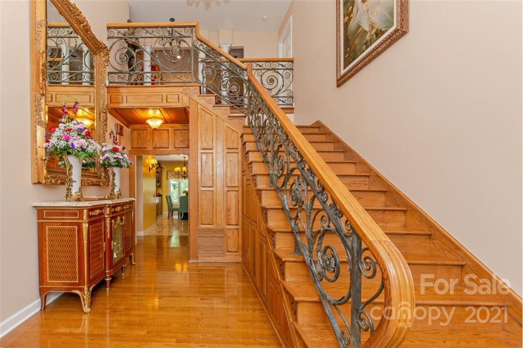 1669 Moore Road Property Photo 14