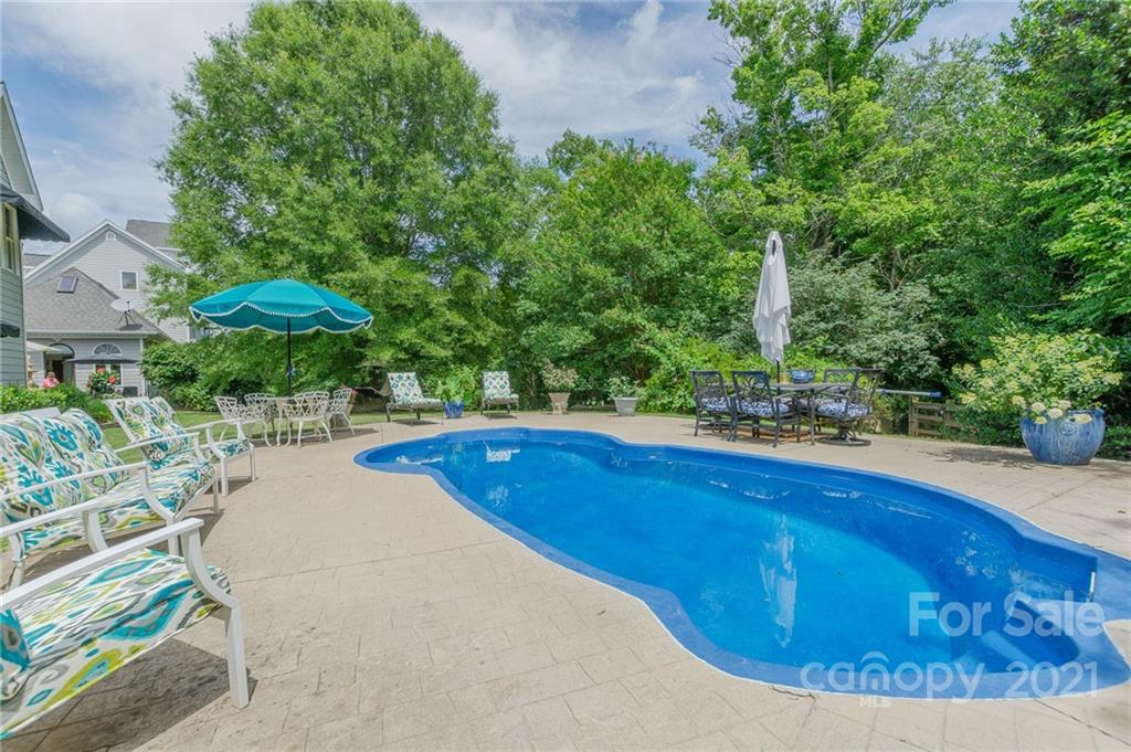 1669 Moore Road Property Photo 22