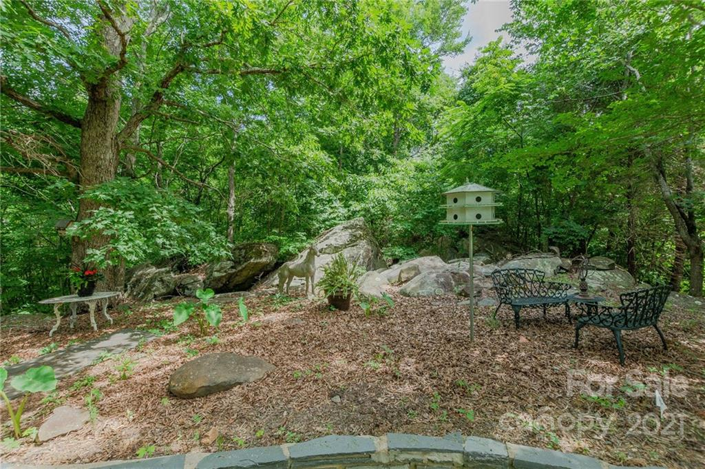 1669 Moore Road Property Photo 25