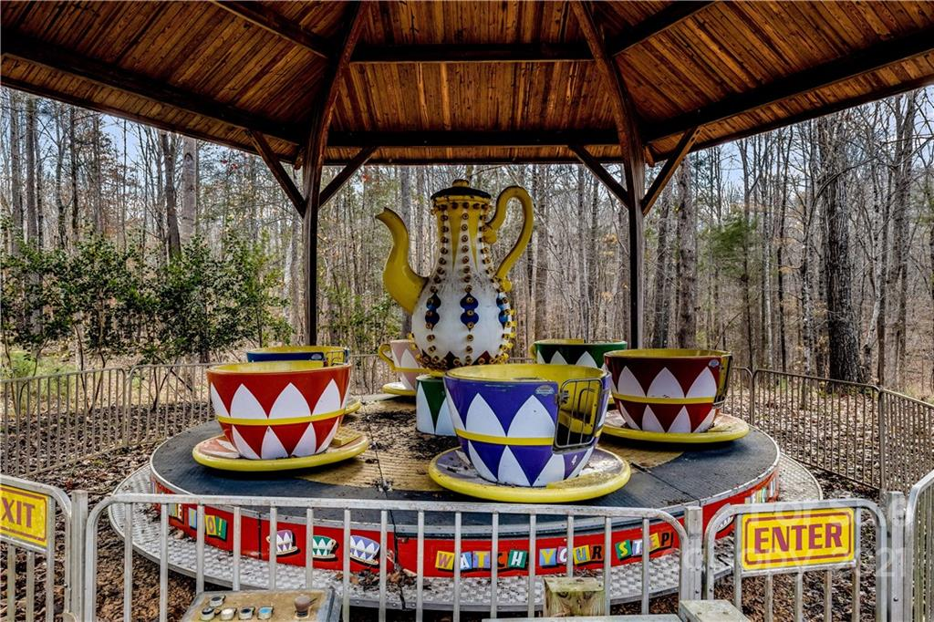 1669 Moore Road Property Photo 27