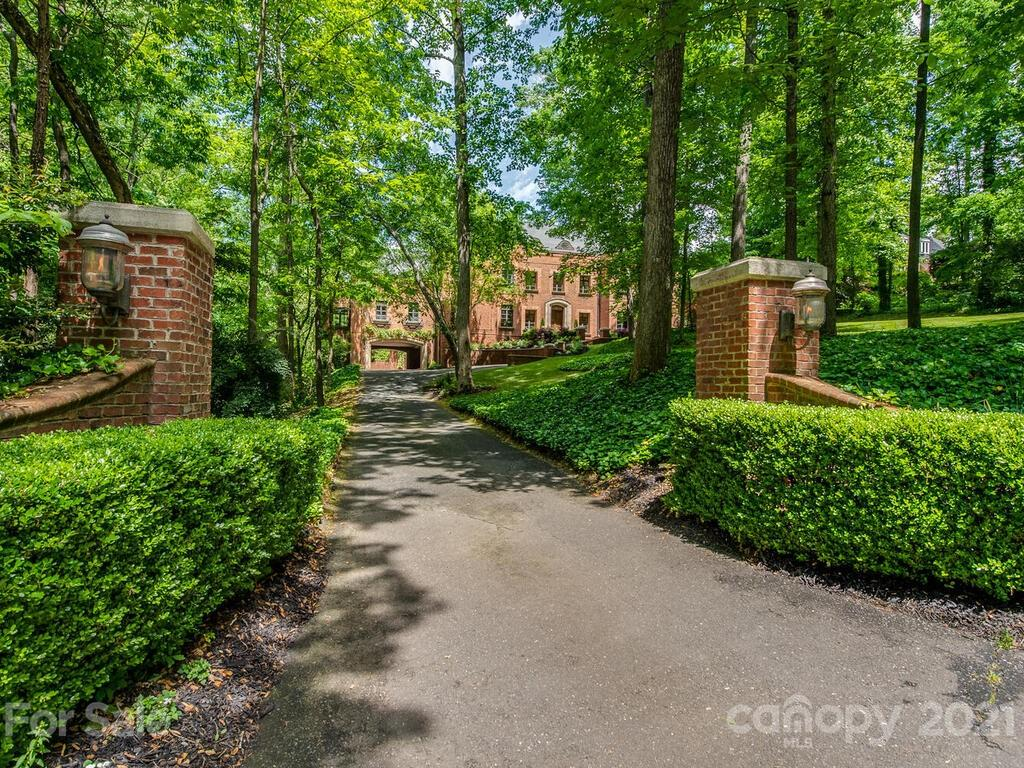 2342 Rock Creek Drive Property Photo 1