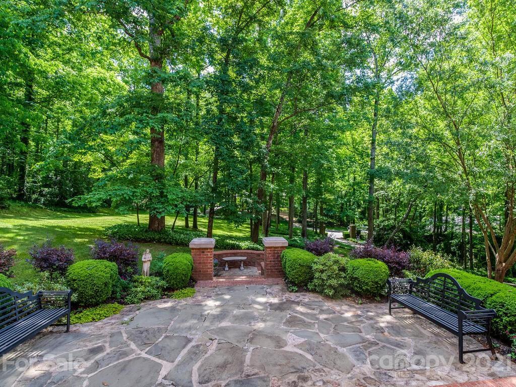 2342 Rock Creek Drive Property Photo 5