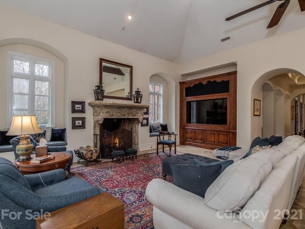 2342 Rock Creek Drive Property Photo 12