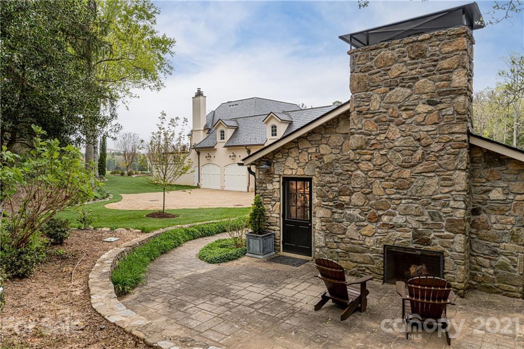 388 Vanderbilt Road Property Photo 45