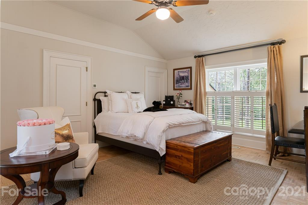 388 Vanderbilt Road Property Photo 47