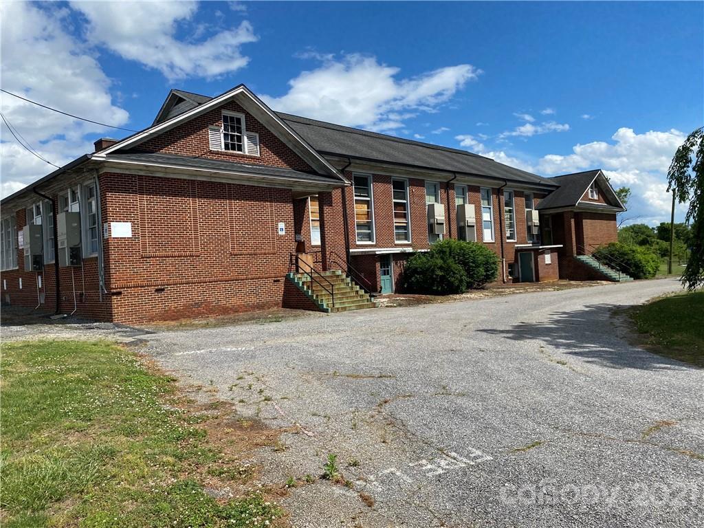 6125 Nc 16 Highway Property Photo