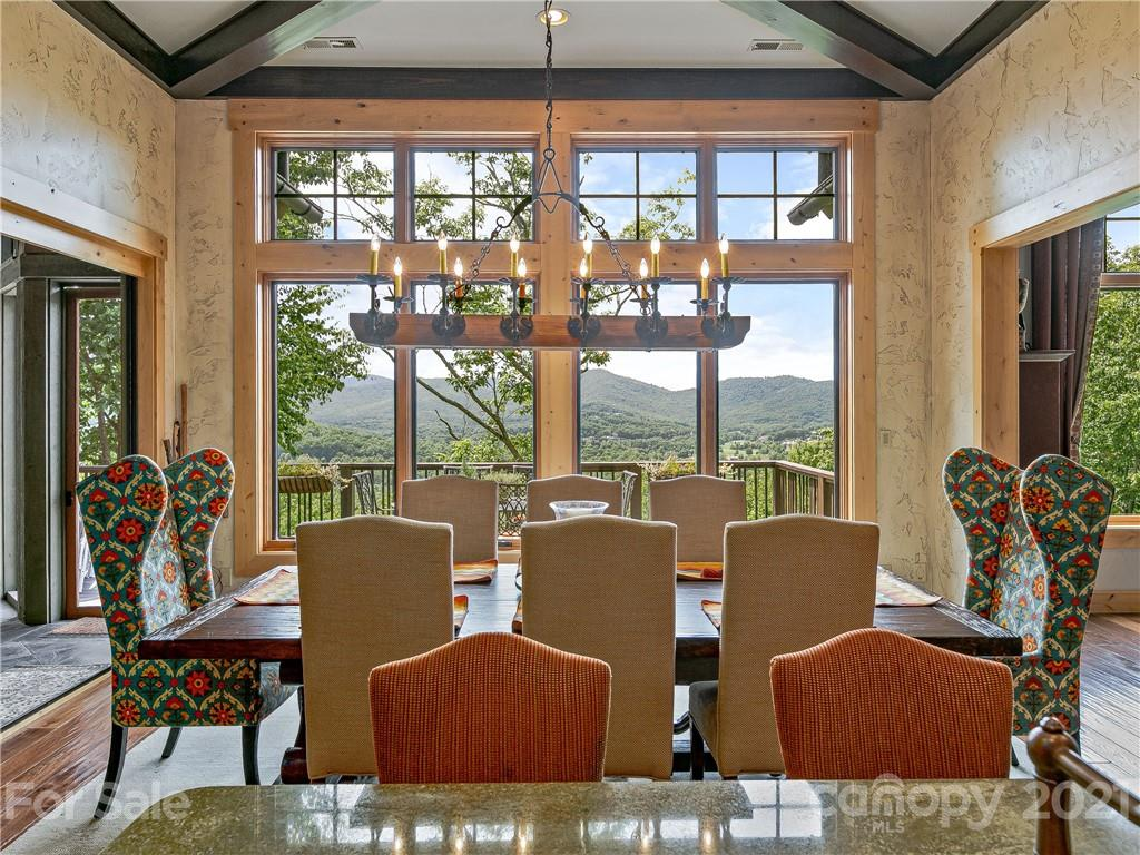 10 Creek Hollow Court Property Photo 10
