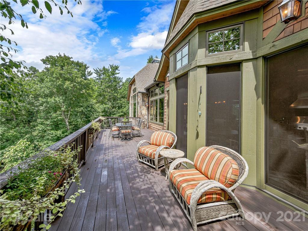 10 Creek Hollow Court Property Photo 13