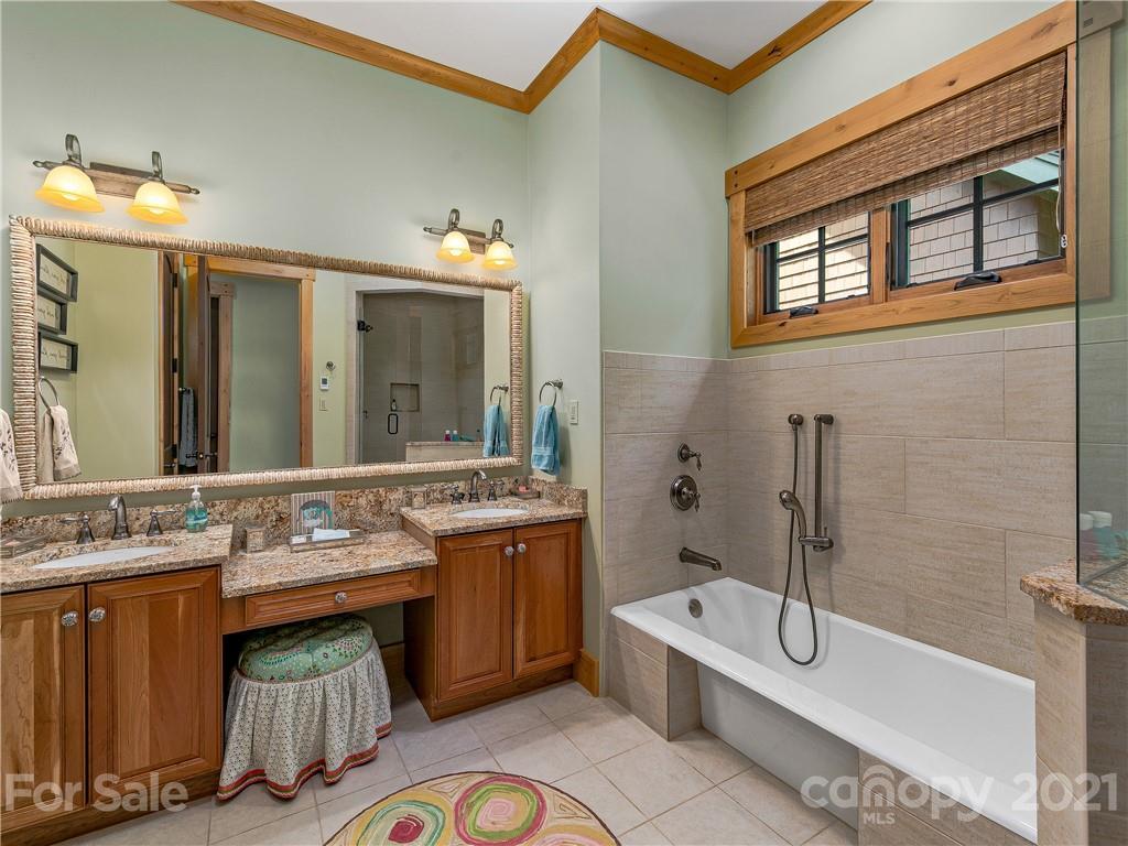 10 Creek Hollow Court Property Photo 20