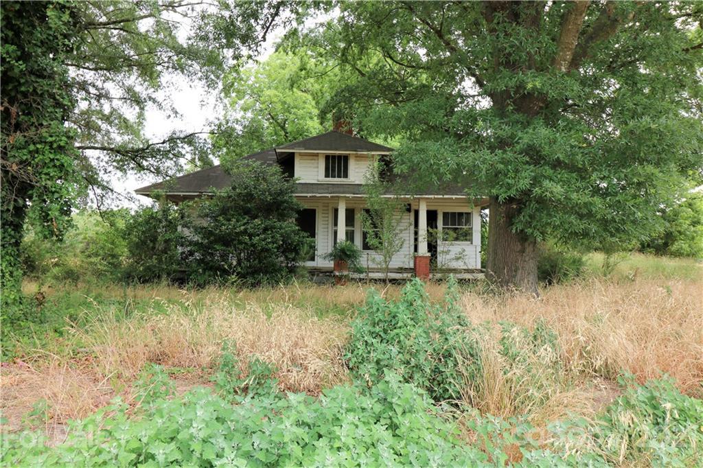 2725 Lanesboro Road Property Photo