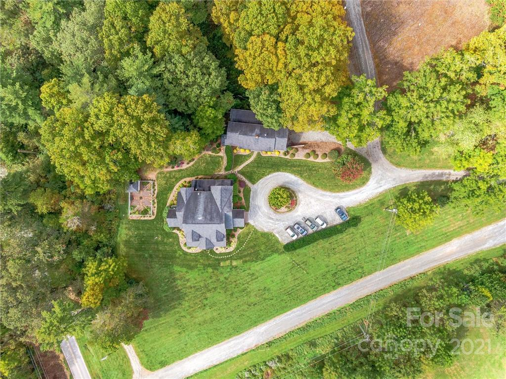 400 Ray Hill Road Property Photo