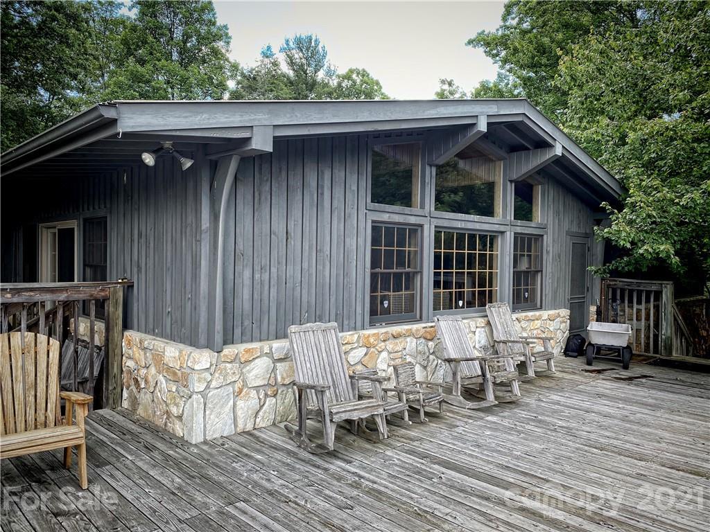 2736 White Oak Flats Road Property Photo 2