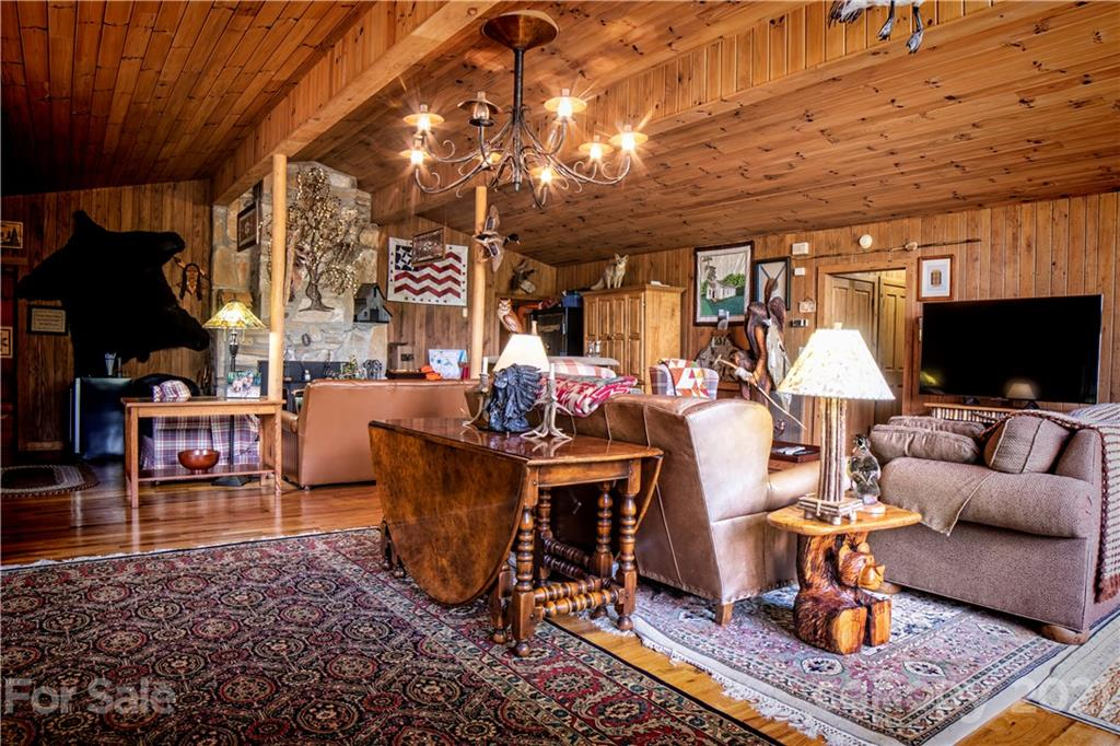 2736 White Oak Flats Road Property Photo 5