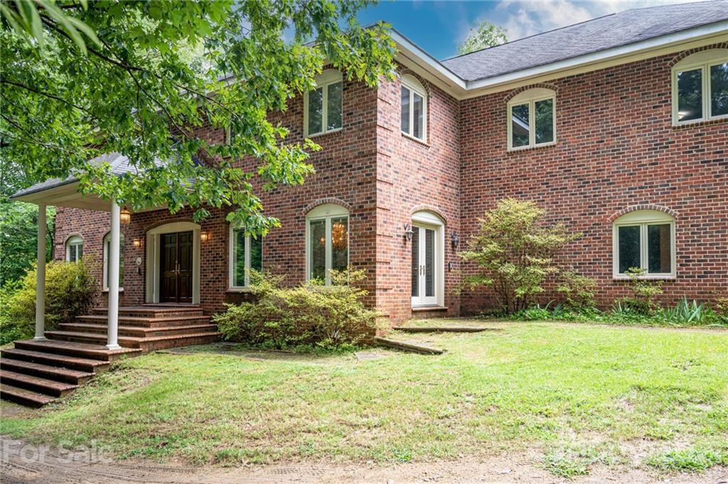 28124 Real Estate Listings Main Image