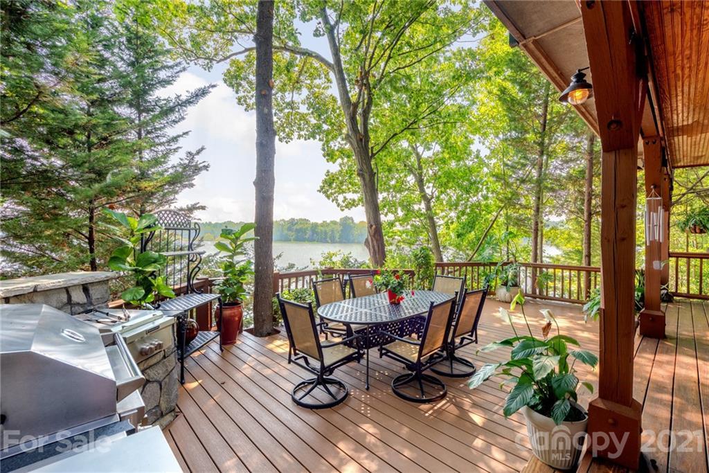 230 Riverside Drive Property Photo